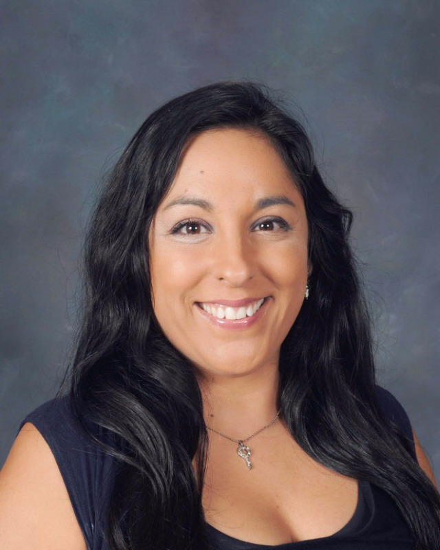 Picture of second grade teacher Angelica Leal room 1